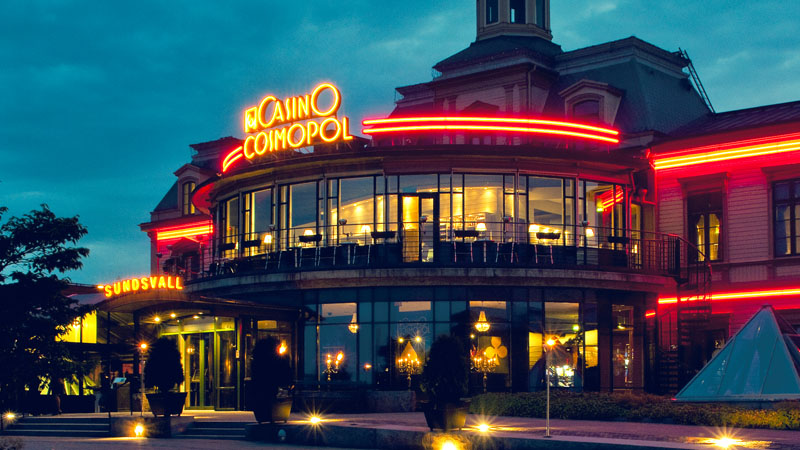 Casino Cosmopol-byggnad i Sundsvall från utsidan