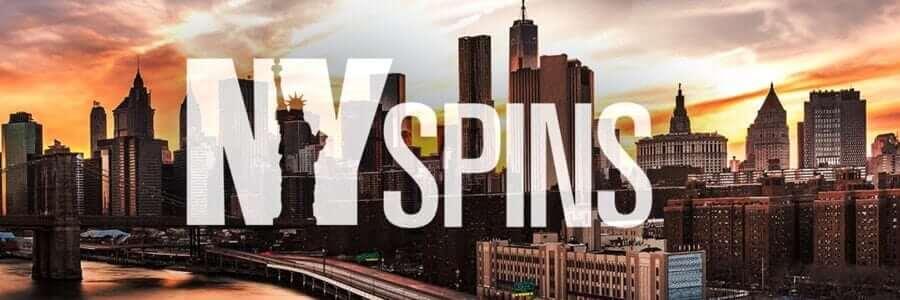 New York city vid solnedgång med logon för NYSpins casino framför